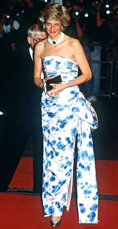 Princess Diana - 1991 For the Canadian premiere of Crocodile Dundee II, she chose a floral-print ruched dress by Catherine Walker.