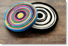 DIY Coaster Ideas Want to protect your coffee table and exercise your little one's creative bone? Make these fun coasters with your kids! Here are some more ideas to get the creative juices. Diy Home Crafts, Diy Arts And Crafts, Yarn Crafts, Felt Crafts, Fabric Crafts, Felt Coasters, Diy Coasters, Diy Projects To Try, Craft Projects