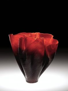 Incantatrice (Sorceress) Toots Zynsky (American, b. United States, Providence, Rhode Island, 2007 Fused and thermo-formed glass threads Corning Museum Of Glass, Corning Glass, Art Of Glass, Glass Artwork, Kiln Formed Glass, Sandblasted Glass, Toot, Carnival Glass, Fused Glass