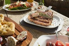 Villeroy & Boch BBQ Passion Grilovací talíř s rukojetí - LuxuryTable. Barbecue, Villeroy, Camembert Cheese, Steak, French Toast, Pork, Breakfast, Ethnic Recipes, Passion
