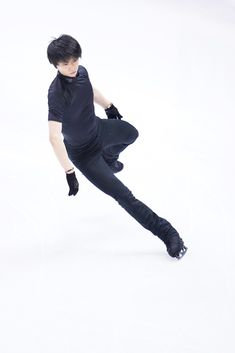 Male Ballet Dancers, Figure Drawing Reference, Hanyu Yuzuru, Figure Skating, Fangirl, Poses, Shit Happens, Chara, Prince