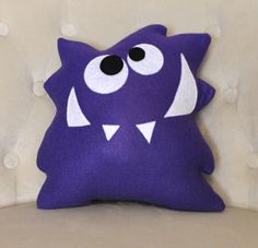 Monster Plush Pattern PDF Tutorial and di bedbuggspatterns su Etsy
