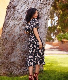Tessa Thompson for Marie Claire Shotgun Wedding, Something In The Way, Tessa Thompson, What Is Tumblr, Celebs, Celebrities, Celebrity Crush, Role Models, Wrap Dress