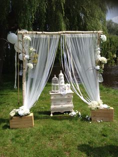 Wedding backdrop in shabby chic style. Design and styling : Vintage weddings styled by Rich Art Design