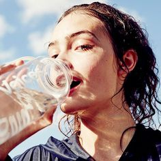 Age-old stories and advice would have us believe drinking a gallon of water a day will solve every problem we have—fromweight loss to anti-aging. But is it a myth? I can't imagine it...