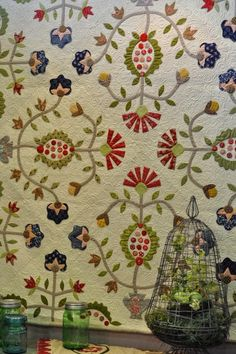 David's cottage down the hill.: Irene Blanck. Quiltshow Pour L'Amour Du Fil #2