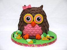 Cute Owl Cake! - by hellobabycakes @ CakesDecor.com - cake decorating website