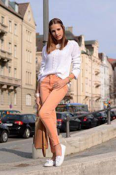 moda-unlulerin-renkli-pantolon-kombinleri