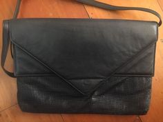 f379134f6b01 Vintage Glo Mesh black evening bag. Gumtree Australia