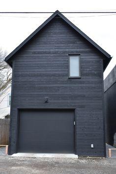 """H Residence """"Slender House"""" Portland, Oregon Shou Sugi Ban - Gendai Nakamoto Forestry Wood Cladding Exterior, House Cladding, Timber Cladding, House Siding, Garage Apartments, Garage Apartment Interior, Woodland House, Black House Exterior, River House"""