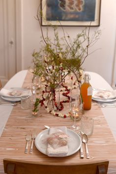 3 Incredible Tablescapes To DIY For A Perfect Holiday Dinner #refinery29  http://www.refinery29.com/39589#slide-25  The finished product — classy and festive!...