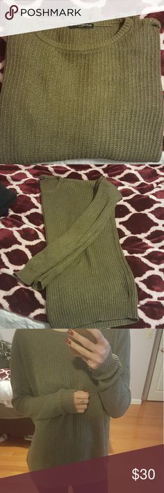 Brandy Melville sage olive green sweater Knit sweater in a sage meets olive green color. Soft comfy and oversized, great with leggings! Perfect condition just doesn't get enough use so selling :) fits XS, small, and medium Brandy Melville Sweaters