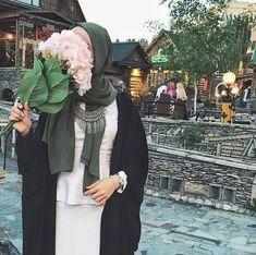 Pinterest: @adarkurdish Niqab Fashion, Muslim Fashion, Modest Fashion, Girl Fashion, Muslim Girls, Muslim Women, Hijab Style Tutorial, Hijabi Girl, Muslim Dress