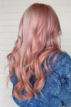 Drooling over this custom rose gold mix 🤤💕 @glowupstudio____ used diluted Frosé and Sunset Orange for this look ✨ #AFfrosé #AFsunsetorange