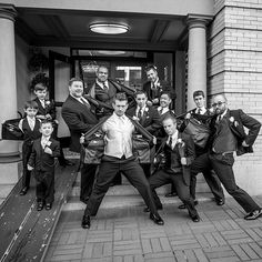 groomsmen wedding photo ideas 8