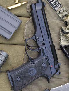 Пистолет Берета М9 / Beretta M9
