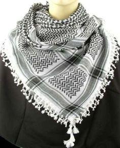 Eind jaren 70/Begin jaren 80 had iedere 'alto' een arafat-sjaal of terwijl De keffiyeh. Aangezien ook ik een jaartje of 2 (13-15) redelijk alto ben geweest had ik er natuurlijk ook een; deze zwarte.