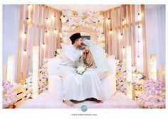 Kawasan Lynn Damya: Kat Sini Ada Pelamin Pallet Kayu Wedding Stage, Dream Wedding, Wedding Day, When I Get Married, I Got Married, Akad Nikah, Malay Wedding, Photo Booth Backdrop, Wedding Decorations