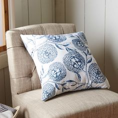 """August Grove Swan Valley Blooms Antique Flowers Print Throw Pillow Size: 16"""" H x 16"""" W, Color: Navy Blue"""