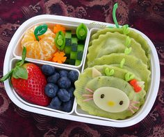 Spinach Ricotta Ravioli, baby tangerine, cucumbers, carrot, pea pod, strawberry and blueberries. :)