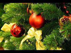 Новогодняя веточка сосны из гофрированной бумаги. //DIY Happy New Year. ...