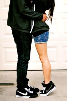 I wanna take a picture like this with my boyfriend one day!!!