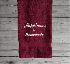 Happiness is Homemade Hand Towel, Country Farmhouse Living – Borgmanns Creations Red Towels, Rustic Home Interiors, Embroidered Gifts, Terry Towel, Country Farmhouse Decor, Drink Sleeves, Kitchen Decor, Happiness, Homemade