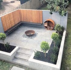 Outdoor Furniture & Decor Every garden deserves to be beautiful. You can easily redesign your outdoor space with beautiful garden decorations, classic and solar outdoor lighting, or stylish garden furniture. However, you should not forget the fire pit for Small Backyard Landscaping, Backyard Patio, Landscaping Ideas, Backyard Ideas, Patio Ideas, Mulch Landscaping, Casa Patio, Outdoor Lighting, Outdoor Decor
