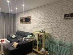 Panel Ladrillo Oxford XL Blanco en un salón. Mil gracias a nuestra cliente por enviarnos las fotos, nos ha encantado cómo ha quedado el espacio! Brick, Curved Walls, English Style, Thanks