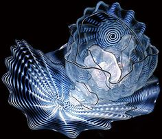 Image from http://archive2.chihuly.com/Data/Sites/2/PhotoInline/FAbram_Img0077_menu.jpg.