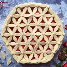 We finally had a proper Spring day and it was glorious! Thank you so much for al… – Torten Beautiful Pie Crusts, Pie Crust Designs, Pie Decoration, Pies Art, Cheesecake Pie, Pie Tops, Pie Crust Recipes, Strawberry Pie, Sweet Pie