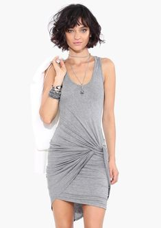 http://trendesso.blogspot.sk/2014/08/jednoduche-krasne-outfity-simple-and.html