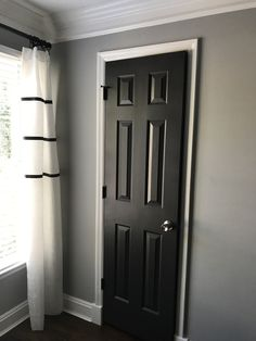 Charmant Painting Interior Doors A Dark Color Can Add An Extra Pop To Your Home.  Choose Quality Paint U0026 Tools. Black Doors For Your Home Makeover.