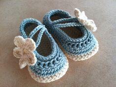 Ravelry: Project Gallery for Daisy Baby Mary Jane Shoes pattern by Yuliya Tkacheva