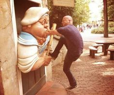 24 Fotos engraçadas tiradas com estátuas | ROCK'N TECH