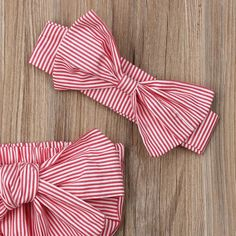 Off shoulder striped bowknot romper and headband set. With its unique and fashion design, it would be perfect for summer. It is elegant, stylish and also healthy which is made of cotton. Perfect baby shower gift / perfect gift for a little girl. Color Options: Red, Blue is available. Suitable sizes are available from newborn to 24 months old. Fall Fashion Outfits, Mode Outfits, Girl Outfits, Bikini Swimwear, Bikinis, Baby Girl Newborn, Baby Girls, Paris Mode, Floral Bikini