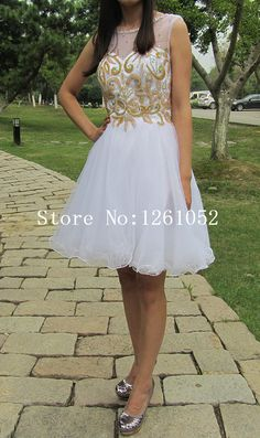 Chic White Scoop Sleeveless Organza Knee Length Homecoming Dress With Embellishment