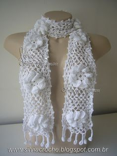 Cachecol lindo: Lis.  (beautiful scarf:.  Lis)
