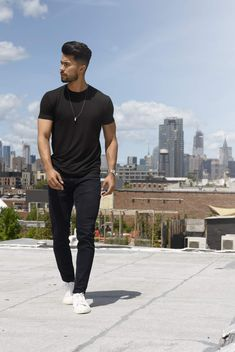 Black Outfit Men, Formal Men Outfit, Stylish Mens Outfits, Casual Outfits, Men Casual, Teaching Mens Fashion, Most Handsome Actors, Photography Poses For Men, Tomboy Fashion