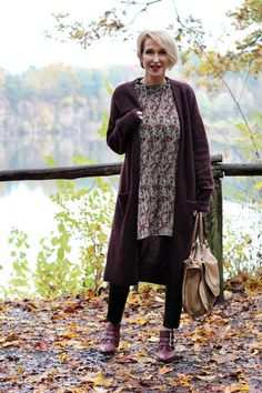 A fashion blog for women over 40 and mature women  Cardigan: &other Stories Blouse: Zara Leatherleggings: Wenz Booties: Office Bag: Chloe Marcie