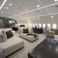 Is this the world's best private jet? The Boeing 787 that's an airborne penthouse apartment - Private Plane Jets Privés De Luxe, Luxury Jets, Luxury Private Jets, Private Plane, Avion Jet, Private Jet Interior, Aircraft Interiors, Penthouse Apartment, Commercial Aircraft