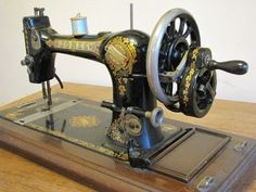 old sewing machines | Are we nearly there yet?: Share a little FREE vintage love!