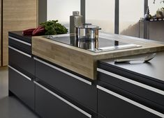 The BONDI range is super-matt, resistant to fingerprints and equipped with cutting edge German Kitchen Design Features, by the Leicht Kitchen Design Centre