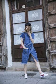 Denim flecos y Zapatillas Nike - Dans Vogue