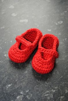 Baby Mary Janes using Patons UK Smoothie DK