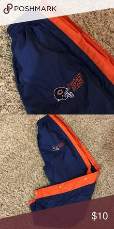 Chicago Bears wind pant Elastic waist and ankles with snaps down the sides Bottoms Sweatpants & Joggers