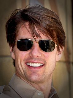 Image from http://www.thepowerofdyslexia.com/wp-content/uploads/2013/01/tom-cruise.jpg.
