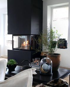 , considering a new color on the fireplace. Interior Styling, Interior Design, Living Spaces, Living Room, Decoration, Architecture Design, Furniture Design, New Homes, Sweet Home