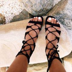 Sandália gladiadora com amarração