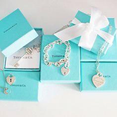 Pandora Jewelry OFF!> The Tiffany Co. Always have wanted one - Ooooh Yeah! Pandora Bracelets, Pandora Jewelry, Jewelry Box, Silver Jewelry, Fine Jewelry, Jewlery, Silver Rings, Tiffany And Co, Tiffany Blue